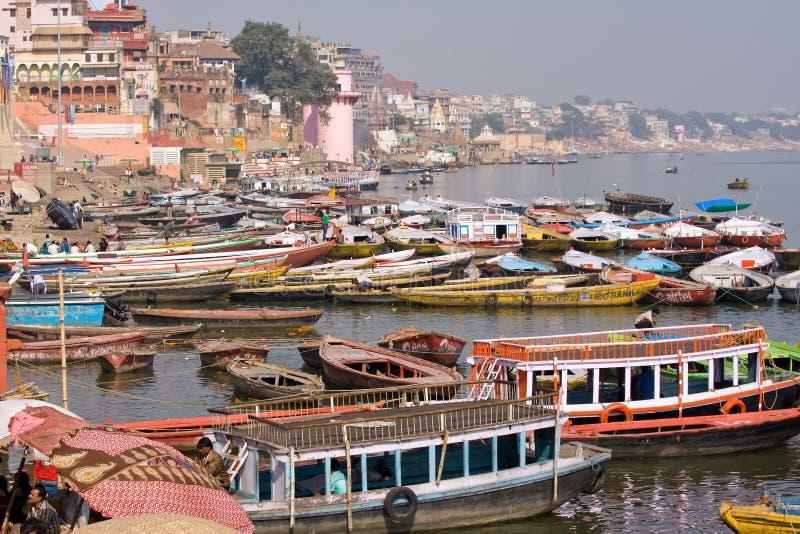 Download Varanasi indu fotografia editorial. Obraz złożonej z kultura - 41952312