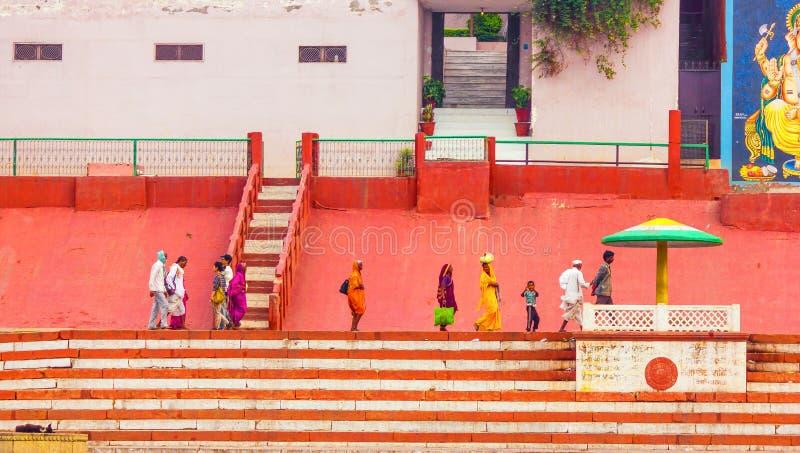 Varanasi, un Glimple dell'India naturale fotografia stock libera da diritti