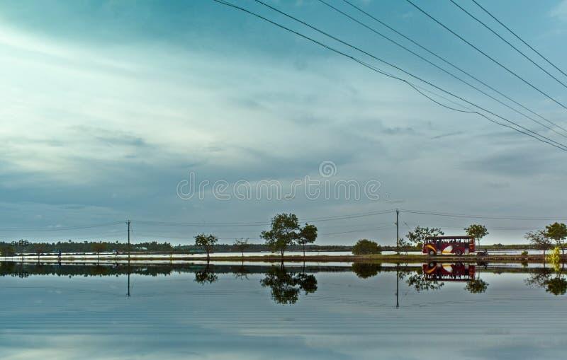 Varappuzha wioski widoku wieczór autobusowa podróż zdjęcia stock