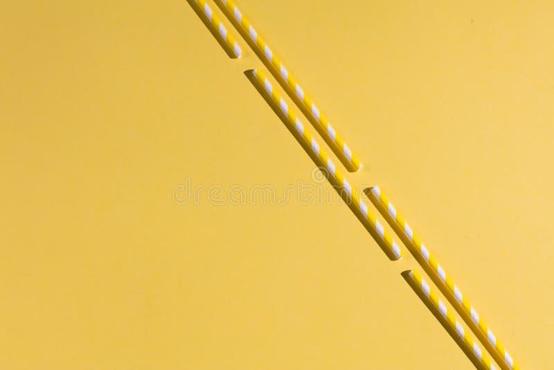 Varas no fundo amarelo ilustração stock