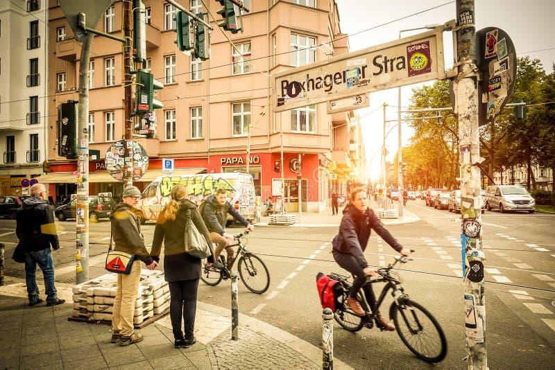Vardagsliv på Berlin gator royaltyfri foto