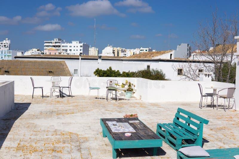 Vardagsrum för takFaro Portugal utomhus- uteplats fotografering för bildbyråer