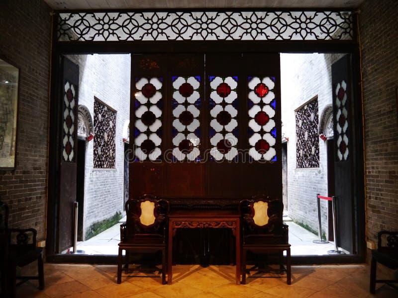 Vardagsrum i kinesisk stil royaltyfria bilder