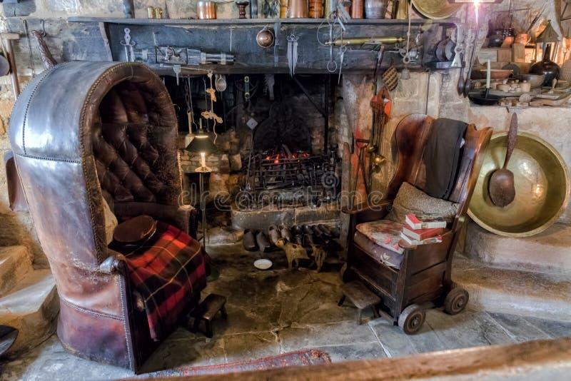 Vardagsrum Snowshill säteri, Gloucestershire, England fotografering för bildbyråer