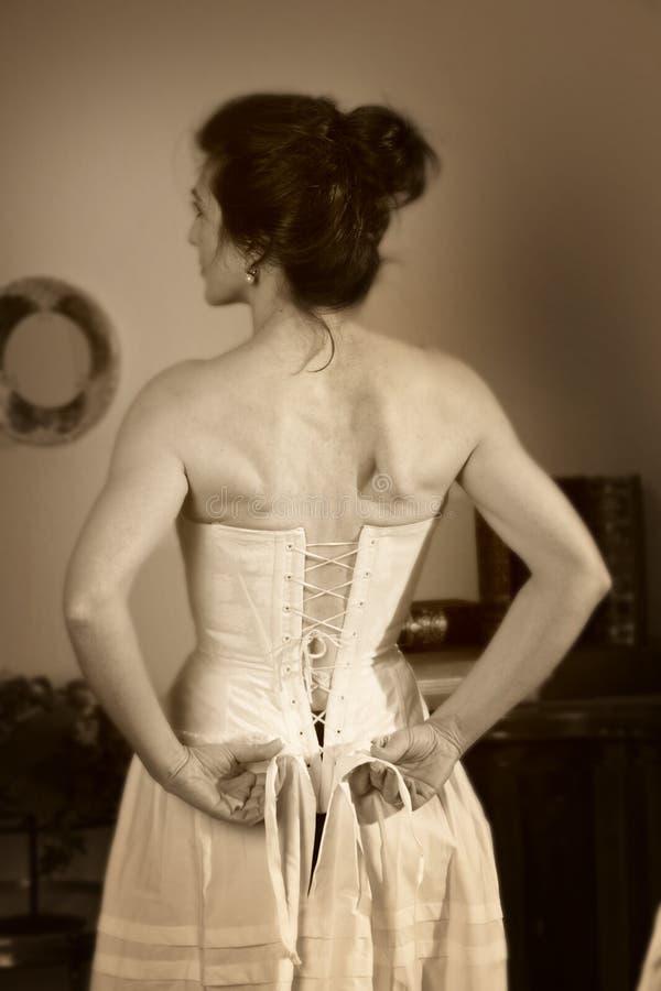 vardagsrumkvinna royaltyfri foto