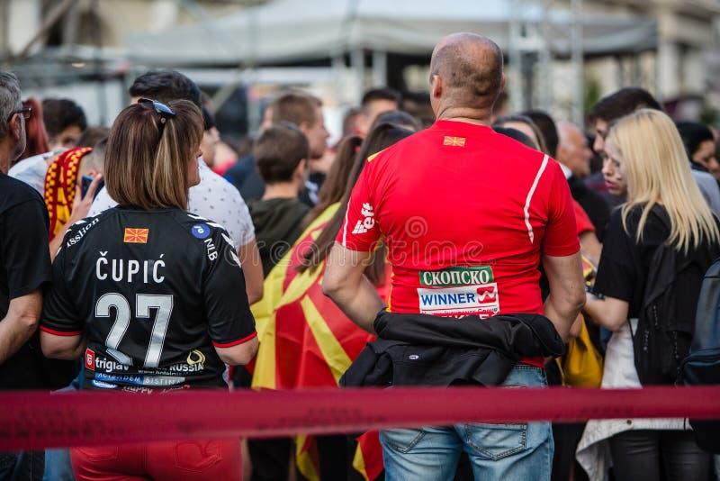 Vardar-Fans, welche auf die Meister warten stockbild