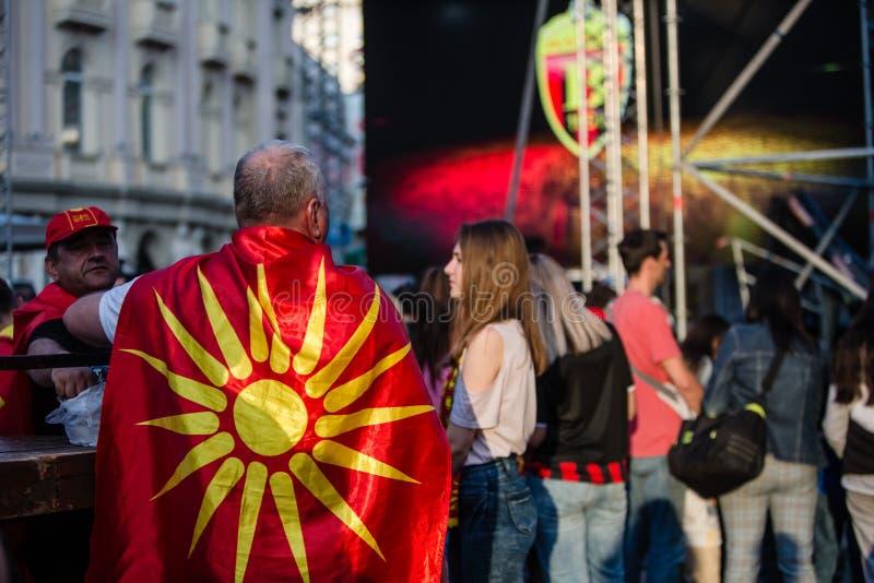 Vardar-Fans, welche auf die Meister warten stockbilder