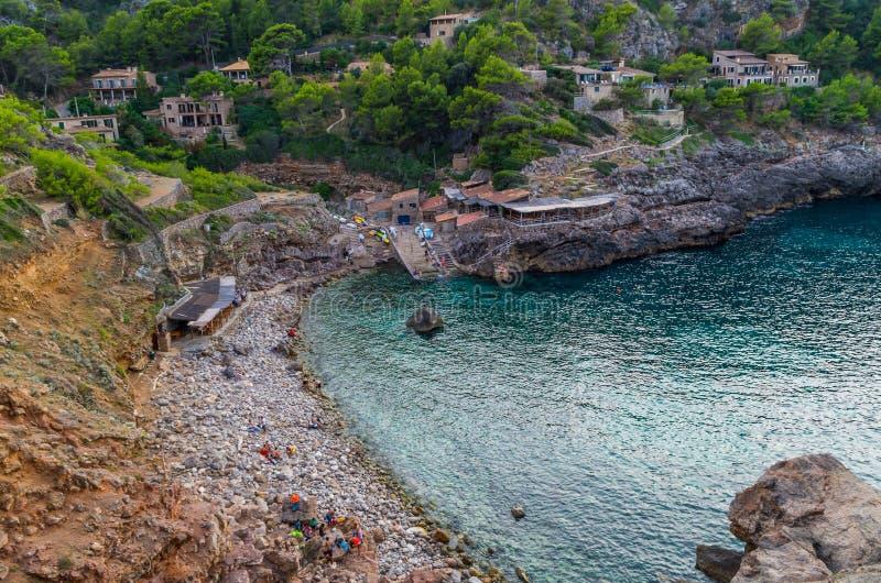 Vare Cala Deia en la costa de Mallorca, Baleares, España foto de archivo libre de regalías