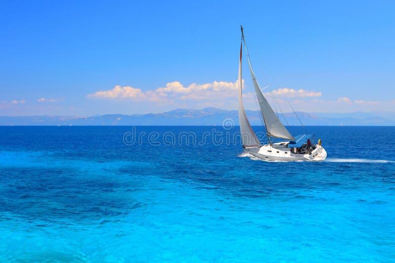Varend jacht royalty-vrije stock fotografie