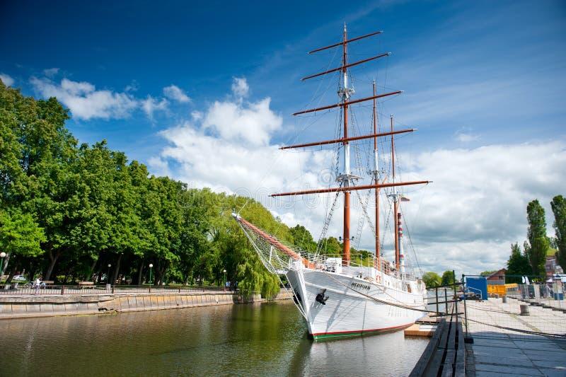 Varend schip Meridianas in Klaipeda, Litouwen royalty-vrije stock foto