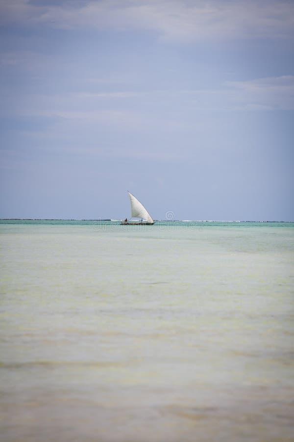 Varende boot in Zanzibar stock fotografie