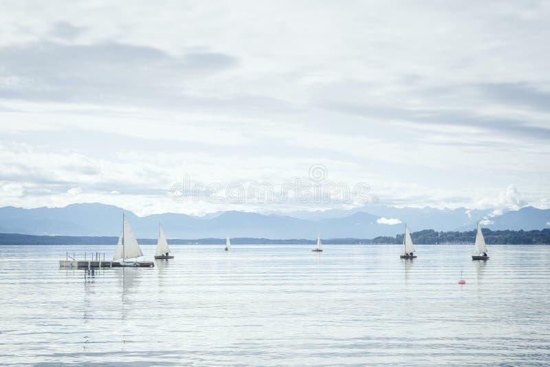 Varende boten stock foto
