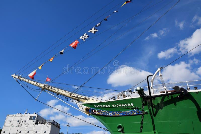Varende Boten bij St pauli-Landungsbrucken, Hafengeburtstag - Verjaardagsviering stock foto's