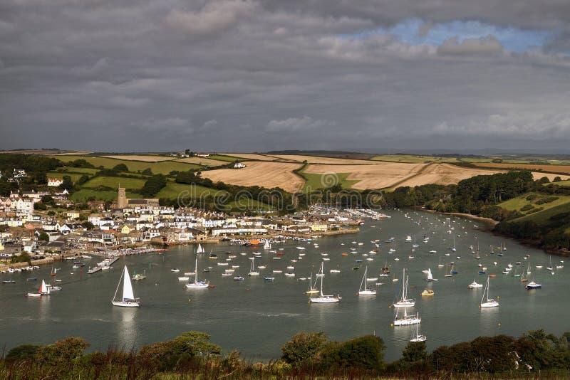 Varende boten in Devon-baai royalty-vrije stock foto's