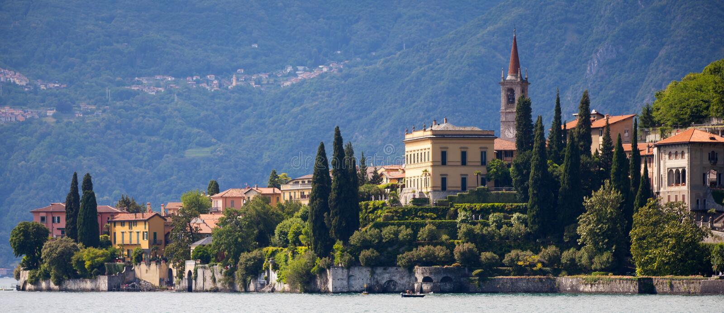 Varenna i sjön Como, Italien royaltyfri foto