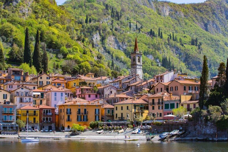Varenna by i sjön Como, Italien arkivfoton
