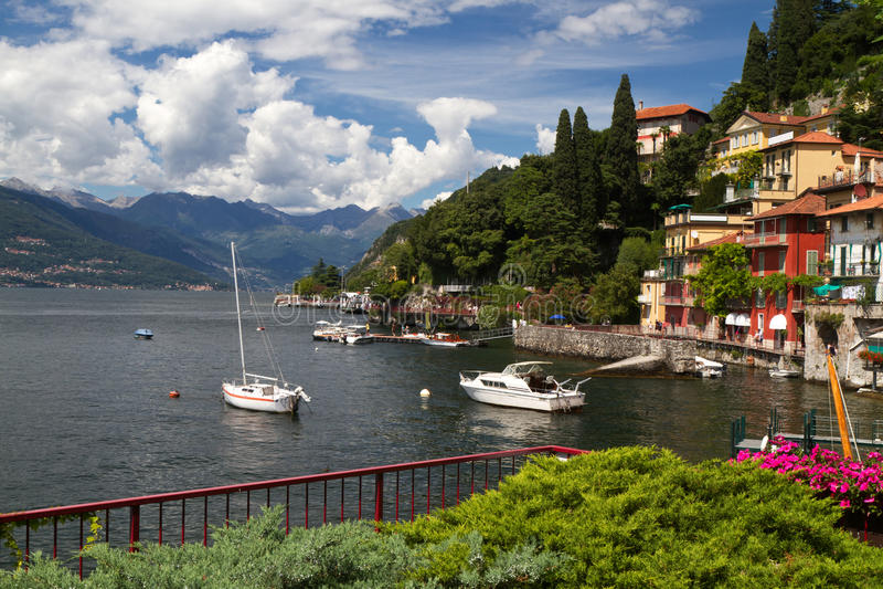 Varenna nel lago Como in Italia fotografia stock