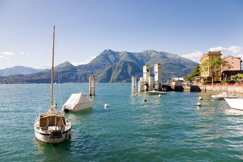 Varenna schronienie, Como jezioro, Włochy zdjęcie stock