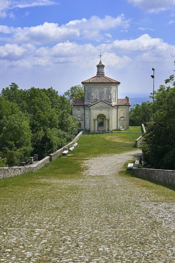 Varese, Itália - 4 de junho de 2017: A montagem sagrado de Varese ou do Sacro Monte di Varese é um do monti do sacri nove nas reg foto de stock royalty free