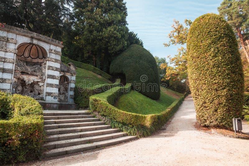 Varese OUTUBRO DE 2018 ITÁLIA - jardins públicos do palácio de Estense, em Varese imagem de stock royalty free