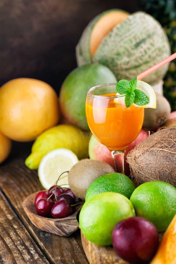 Variété de fruits images stock