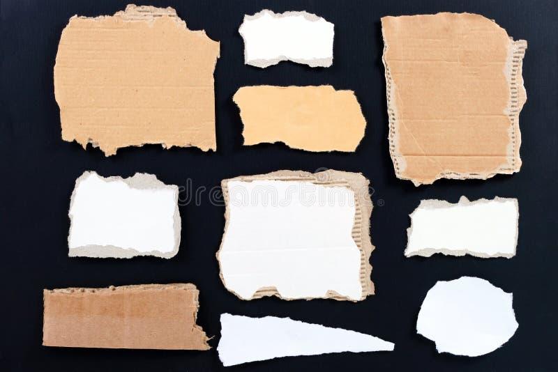 Variété de papier et de carton déchirés blanc photo libre de droits