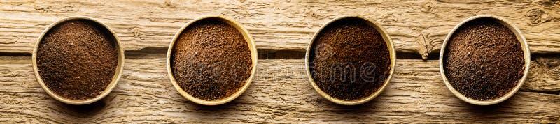 Variétés de poudre de cafè fraîchement moulu photographie stock