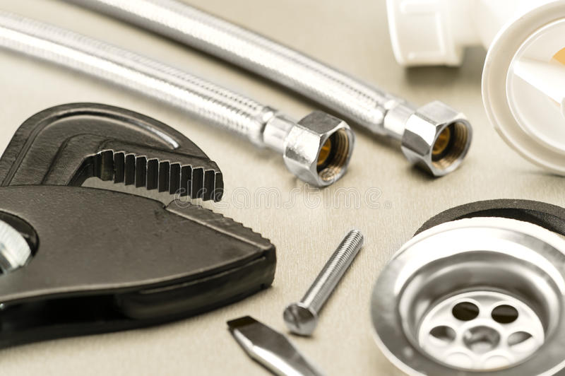 Vari accessori dell'impianto idraulico immagine stock