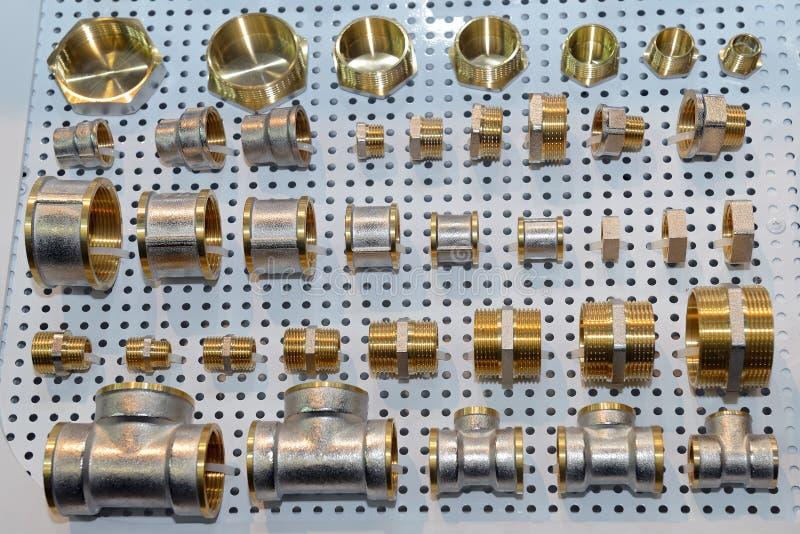 Vari connettori scandagliare del tubo, angoli, montaggi, capezzoli, adattatori fotografia stock