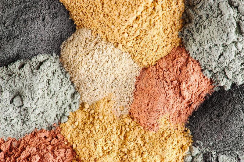 Vari generi di argilla cosmetica immagini stock libere da diritti