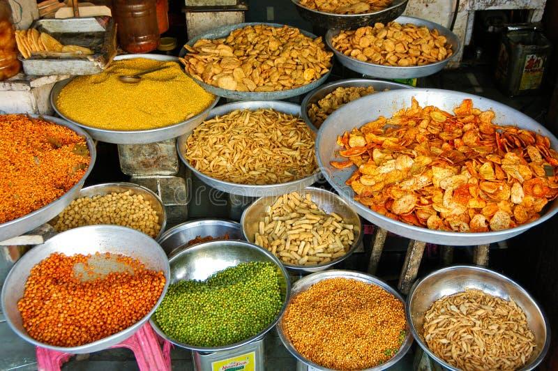 Vari spuntini e piatti dell'India immagini stock