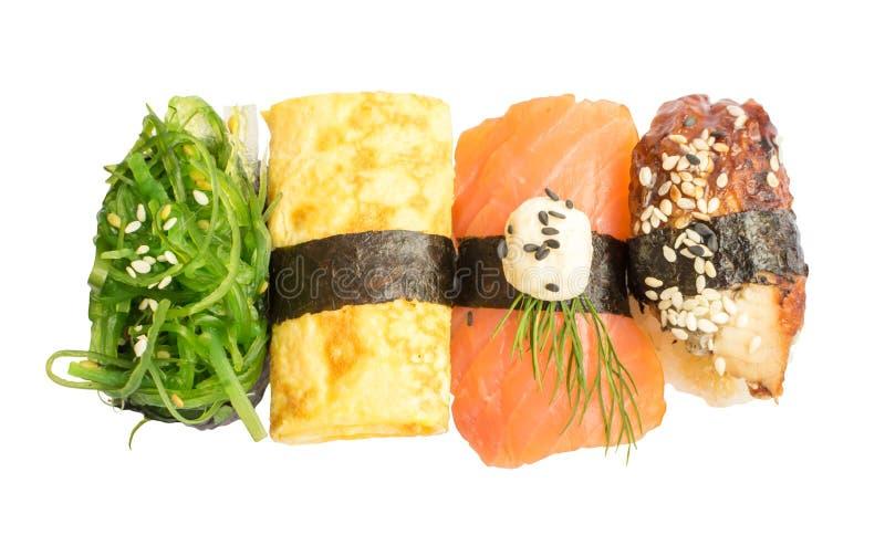 Vari sushi giapponesi isolati su fondo bianco fotografia stock