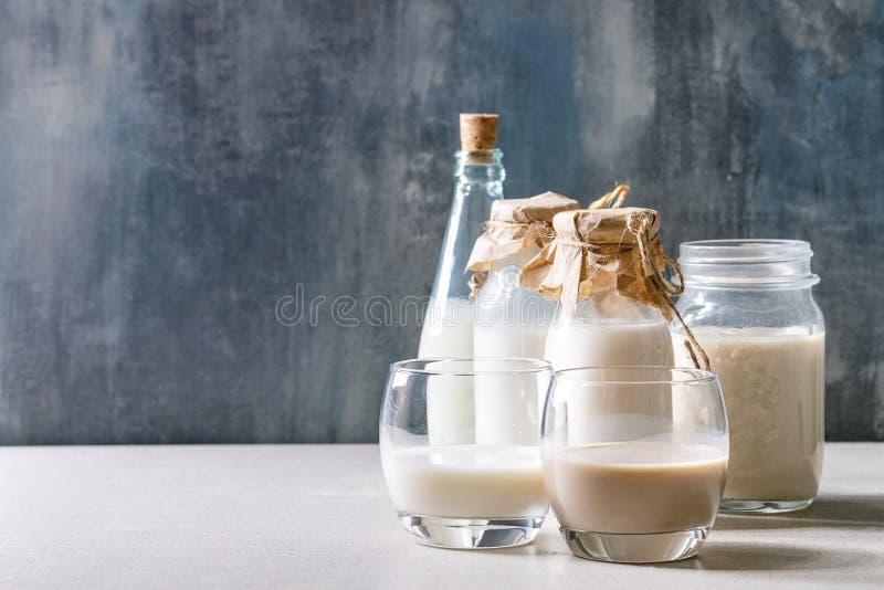 Vari?t? de lait sans aucun produit laitier image libre de droits
