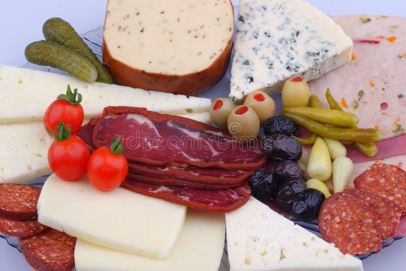 Vari?t? de produits carn?s et de fromage images libres de droits