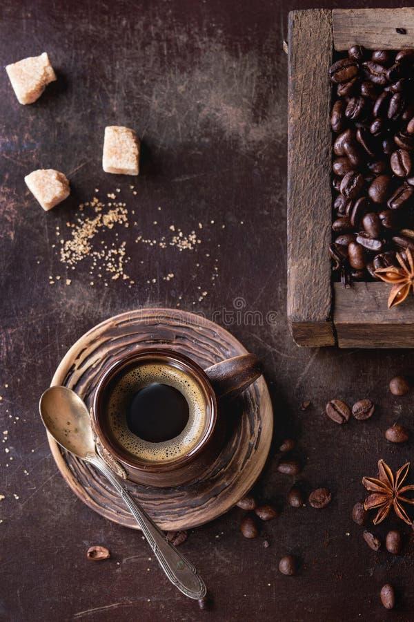 Variatie van koffiebonen stock foto's