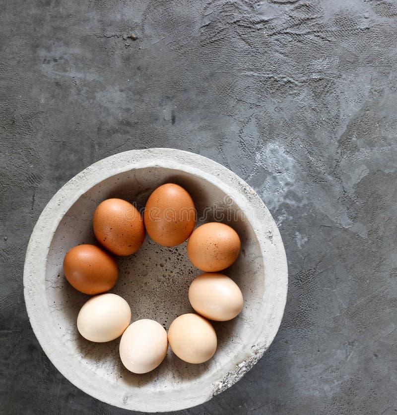 Variation av mångfärgade fega ägg arkivfoto