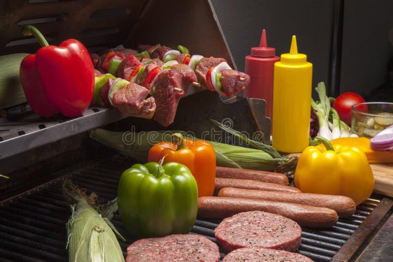 Varie carni pronte per Grill-2 fotografia stock libera da diritti