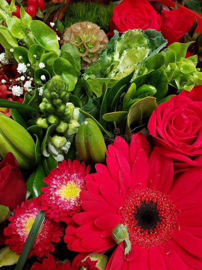 variedad de flor en un ramo floral para el regalo del amor, del fondo y de la textura foto de archivo