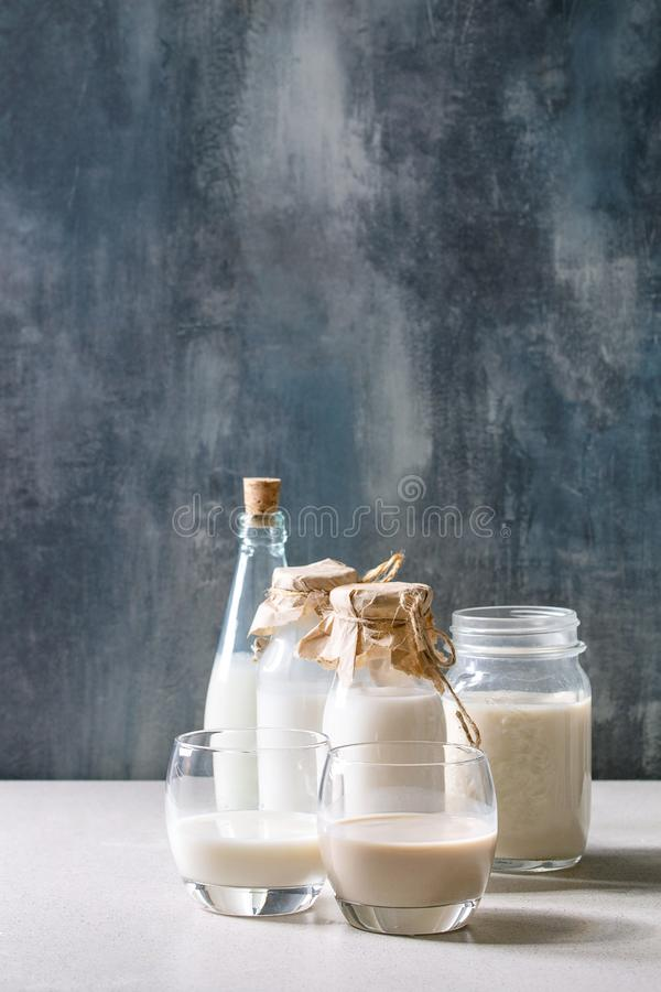 Variedad de leche sintética fotos de archivo libres de regalías