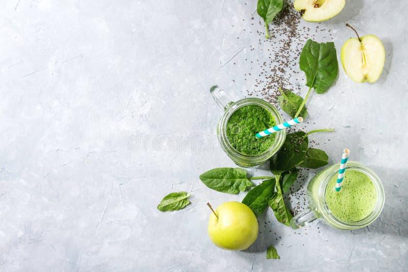 Variedad de smoothie verde fotografía de archivo
