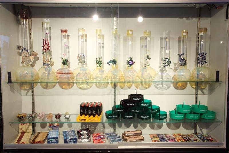 Variedad de tubos de agua de cristal imagen de archivo libre de regalías