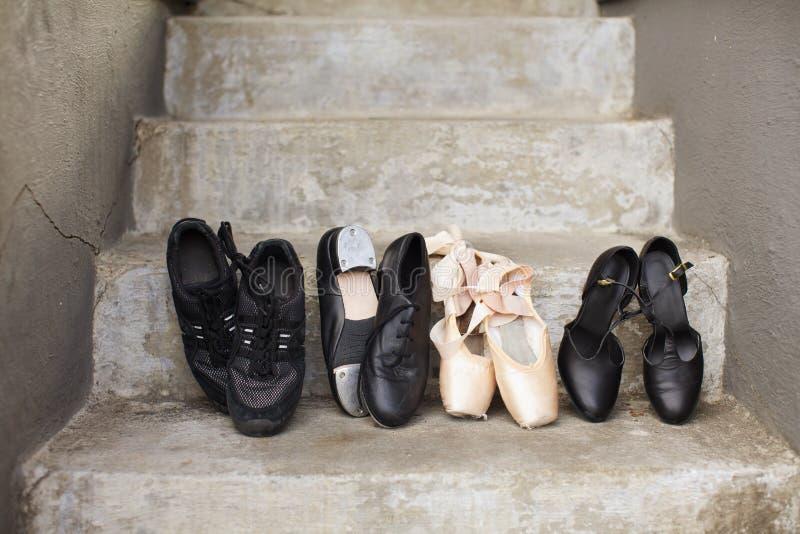 Variedad de zapatos de la danza fotografía de archivo libre de regalías