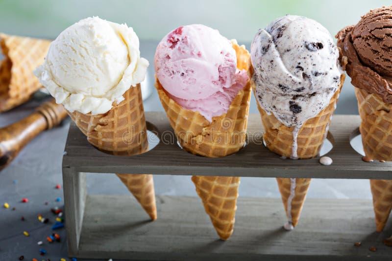 Variedade de cones de gelado imagem de stock royalty free