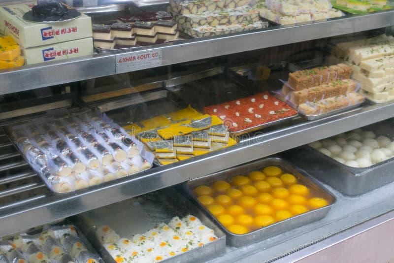 Variedade de doces indianos tradicionais imagem de stock royalty free