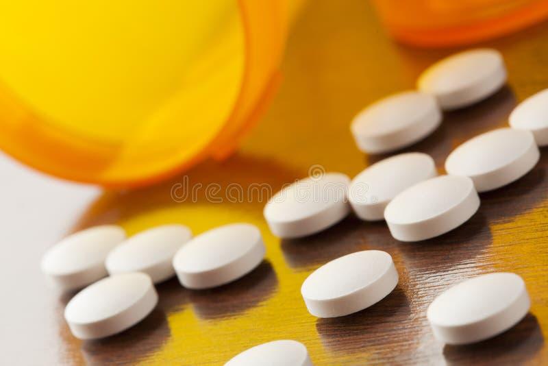 Variedade de drogas, de comprimidos, de suplementos, e de medicamentação imagens de stock