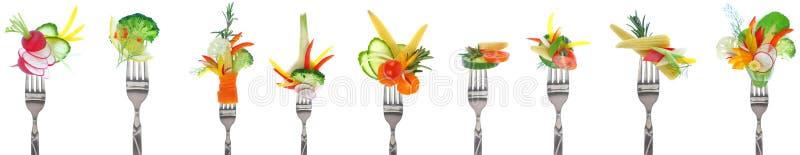 Variedade de legumes frescos em forquilhas - fundo branco fotografia de stock royalty free