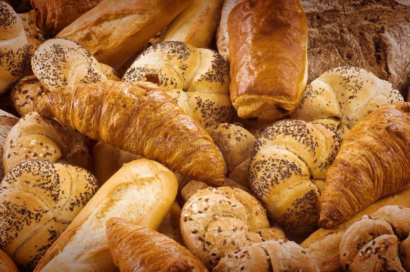 Variedade de pão fresco e de pastelaria imagens de stock royalty free