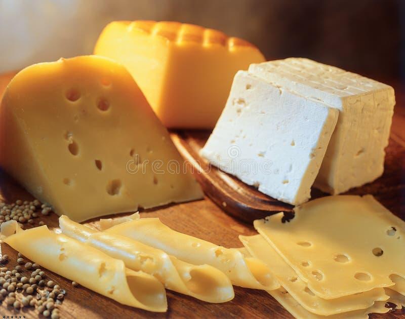 Variedade de queijos. fotografia de stock royalty free