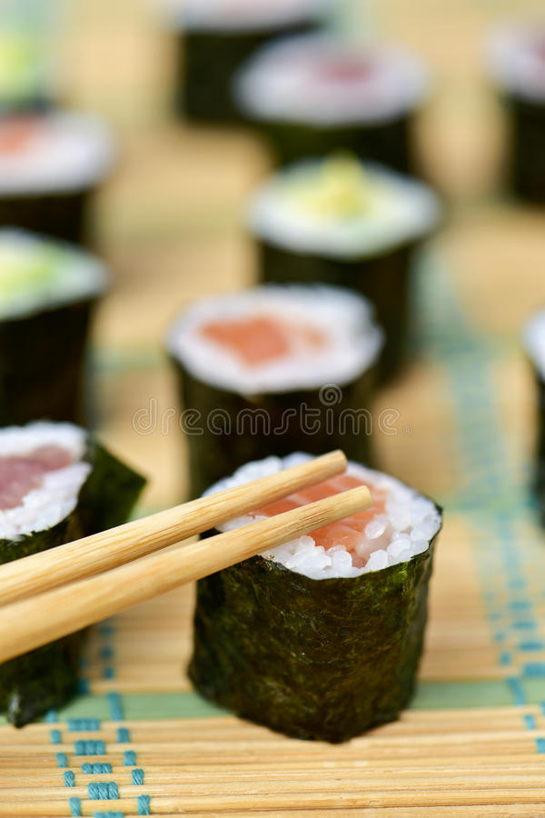 Variedade do makizushi foto de stock
