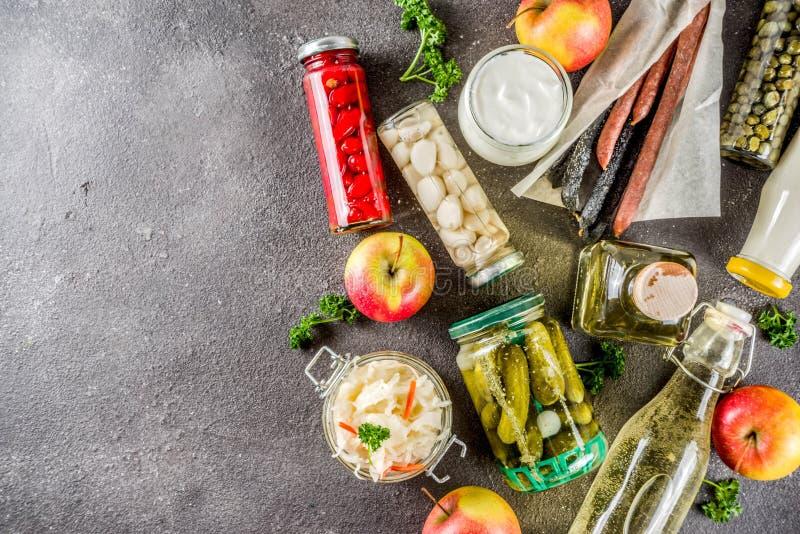 Variedade do vário alimento fermentado imagem de stock